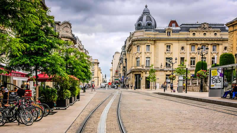 Vakantieparken, vakantiehuizen en steden in Noord-Frankrijk zoals Reims