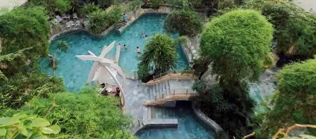 Subtropisch zwembad les trois forets