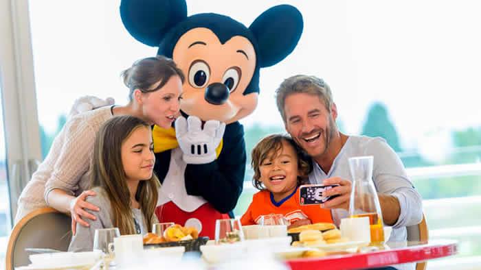 Ontbij met Mickey in Disneyland Paris