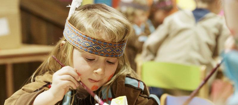 kinderactiviteiten-Center-Parcs-Knutselen